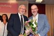 Tagungspräsident Norbert Clever gratuliert Christoph Busch zu seiner Wahl zum 2. Bundesvorsitzenden der komba gewerkschaft