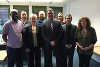 Verhandlungskommission des dbb mit Verhandlungsführer Andreas Hemsing (5. von links, Mitte) (Foto: @ komba gewerkschaft)