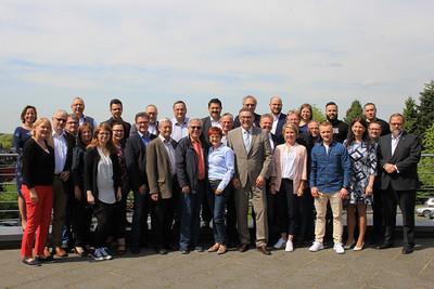 Der Bundesvorstand der komba gewerkschaft mit Max Finzel (vorne, vierter von rechts) (Foto: © komba gewerkschaft)