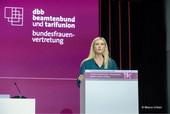 Synnöve Nüchter (komba gewerkschaft / gkl berlin), in ihrem Amt als Beisitzerin in der Geschäftsführung der dbb bundesfrauenvertretung bestätigt (Foto: © Marco Urban)