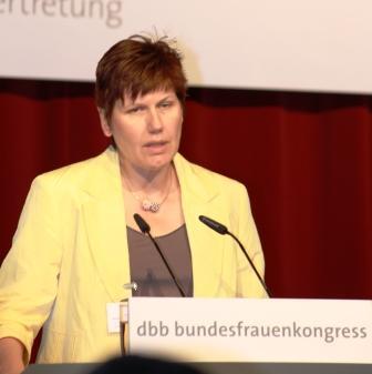 Eva Hermanns zum Ehrenmitglied der dbb bundesfrauenvertretung ernannt